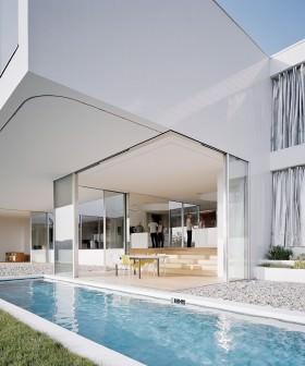 Poolvilla mit LEHA Outdoor-Vorhangschienen für den Außenbereich