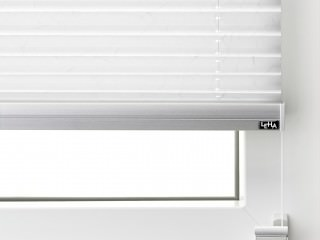 LEHA Plissee M9 auf den Fensterflügel montiert
